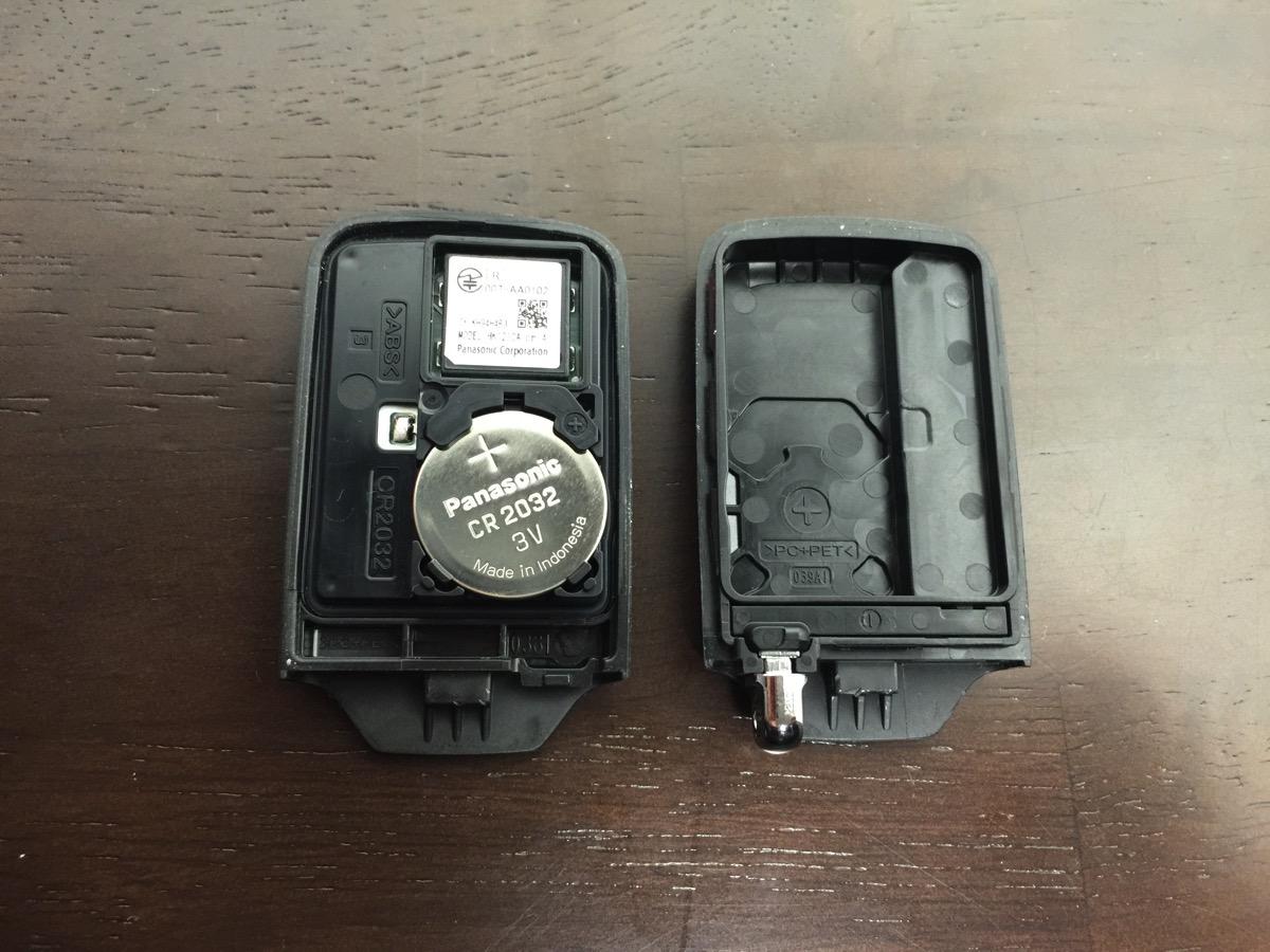 スマートキーボタン電池交換